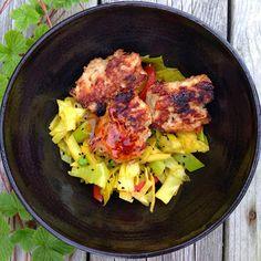 Evas Køkken: Kyllingefrikadeller med tranebær og timian