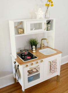 as i mentioned in the last post, i performed a tiny kitchen reno for margot'. - Home Decor -DIY - IKEA- Before After Ikea Kids Kitchen, Diy Play Kitchen, Kitchen Reno, Kitchen Hacks, Kitchen Remodeling, Remodeling Ideas, Toddler Kitchen Set, Kitchen Ideas, House Remodeling