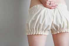 still obsessed with bloomers - free pattern. i ♥ bloomers and want to make them in every color imaginable.