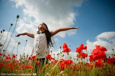 A secret poppy field which is security protected, poppy portrait shoot Poppy Photography, Outdoor Portrait Photography, Outdoor Portraits, Event Photography, Photography Photos, Beauty Photography, Creative Photography, Children Photography, Family Photography