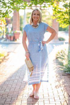 Blue & White Linen Dress for Summer - summer style inspiration for women over 50 - dresses women over 50 - summer dresses - over 50 dresses Over 50 Womens Fashion, Fashion Over 40, Dresses Women Over 50, Summer Outfits, Summer Dresses, Summer Fashions, White Linen Dresses, Everyday Dresses, Colourful Outfits