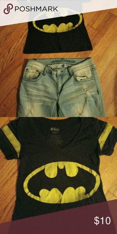 Vintage Batman Crop Top Great shirt to have in your wardrobe Tops Crop Tops