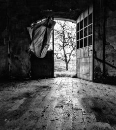 Over the door by Matteo Paparella on 500px