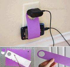 Porta enchufe Reciclado. Una manera fácil de realizar un porta enchufe, práctico para poder colgarlo en cualquier parte sin que moleste en la mesa o el piso