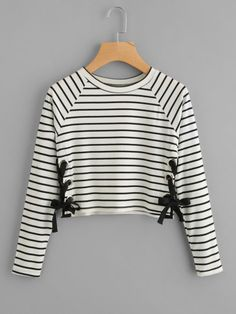 Striped eyelet lace side tee (shop: romwe) - price in china. Teen Fashion Outfits, Fashion Mode, Outfits For Teens, Korean Fashion, Girl Fashion, Girl Outfits, Summer Outfits, Crop Top Hoodie, Vetement Fashion
