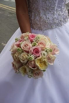 The Flower Magician: Simple Cream & Pink Wedding Bouquet