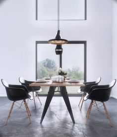 Black and White Window Dining Aurélien BRION