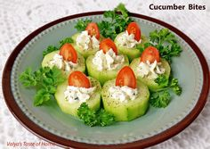 Cucumber Bites Appetizers Ingredients you will need: 2 – Cucumbers 12 – cherry tomatoes 4 oz. – frozen or fresh dill ¼ tsp. – garlic salt Black pepper for garnish Holiday Appetizers, Healthy Appetizers, Appetizer Recipes, Thanksgiving Appetizers, Cucumber Bites, Cucumber Juice, Snacks Sains, Cooking Recipes, Healthy Recipes