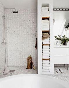 Savvy Bathroom Storage Ideas Solutions for Storing Bath Supplies White savvy bathroom towel storage ideas for modern and minimalist bathroom design. White savvy bathroom towel storage ideas for modern and minimalist bathroom design. Bathroom Towel Storage, Bathroom Towels, Bathroom Wall, Bathroom Interior, Modern Bathroom, Bathroom Ideas, White Bathroom, Shower Ideas, Shower Storage