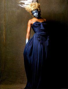supermodelshrine:  Naomi by Michael Sanders, 2005  (posted 11/19/12)