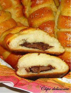 Clipe delicioase: Pariziene My Recipes, Sweet Recipes, Dessert Recipes, Cooking Recipes, Desserts, Romanian Food, Romanian Recipes, Sweet Pastries, Cinnabon