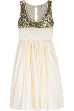 If we got married again, I think I'd find a way to incorporate sequins. I know I know... sequins!