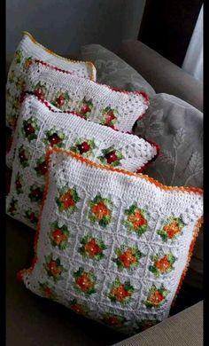 - Her Crochet Crochet Pillow Patterns Free, Crochet Bedspread, Granny Square Crochet Pattern, Crochet Squares, Crochet Motif, Crochet Doilies, Diy Crafts Crochet, Crochet Home, Crochet Projects