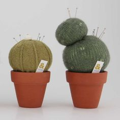 pincushions! No Link for this but it's a cool idea for anyone who has loads of pins... like me?!!!
