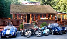 Alice's is a little slice of bliss among the redwoods. Whether you want gourmet burgers and sweet potato fries, one of our scrumptious scrambles, or homemade pie, you can find it here.  *Alice Taylor bought the restaurant in the 1960′s who renamed the restaurant after herself and the now famous Arlo Guthrie song of the same name!