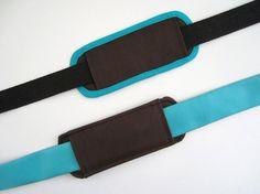 Un tuto pour réaliser une épaulière de sac afin que la bandoulière soit plus confortable. Le tuto propose deux variantes : finition avec ou sans biais.