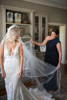 Inbal Dror BR-13-5 V-Neck Lace Backless Second-Hand Wedding Dress | Still White Australia