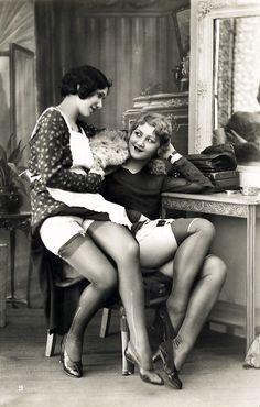 vintagegal:    1930's erotica