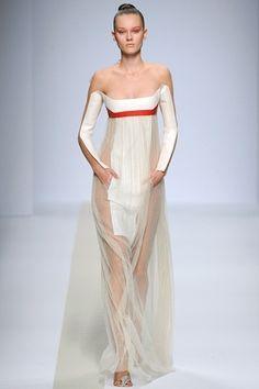 future, futuristic, Pedro Lourenco, future girl, future fashion, futuristic clothing, futuristic fashion, futuristic dress, girl in white by FuturisticNews.com