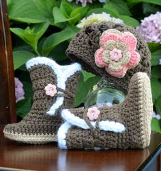 Ugg Inspired boots with matching hat for by CrochetedbyCourtney, $35.00
