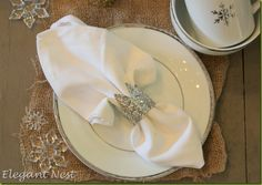 DIY toilet paper roll crown napkin rings/ place card holders