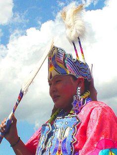 Red Silk Trad Fancy Dancer, via Flickr.