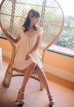 Cream flouncing sleeve chiffon cream mini dress