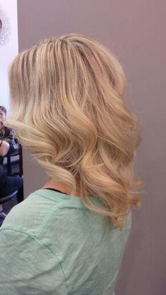 Gorgeous full blonde highlight