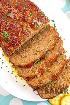 Ritz Cracker Meatloaf Recipe, Meatloaf Recipe With Crackers, Moist Meatloaf Recipes, Cracker Barrel Meatloaf, Cracker Barrel Recipes, Meatloaf Ingredients, Homemade Meatloaf, Best Meatloaf, Meat Recipes