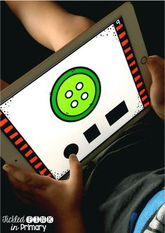 Help your preschool and PreK kids work on shapes, colors, numbers, and more math concepts with these digital task cards. They are self-checking, so kids can play independently! Click to learn more.  #shapes #preschool #taskcards #prekindergarten #ipadgames Pre Kindergarten, Preschool Math, Math Skills, Reading Skills, Geometry Activities, Math Task Cards, Math Concepts, Working With Children, Teaching Resources