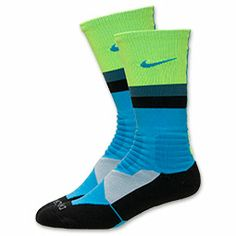 The Nike Hyperelite Fanatical Crew Sock is now available nationwide. Photos and purchase link for the innovative hoops sock that mixes Dri-Fit, impact-pr. Elite Shorts, Nike Elite Socks, Nike Socks, Nike Elites, Derrick Rose, Athletic Outfits, Athletic Wear, Athletic Clothes, Nike Outfits