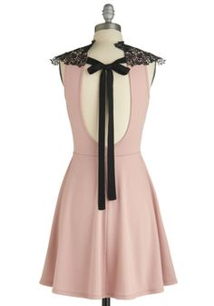 Smart Mauve Dress - Seriously...how is this dress so girly and grown up at the same time?