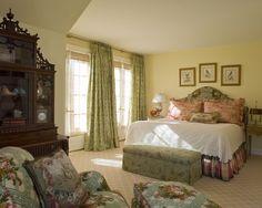 Guest Bedroom www.lindafloyd.com