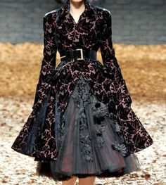 Alexander_McQueen  Fall 2012  fashion couture by gena