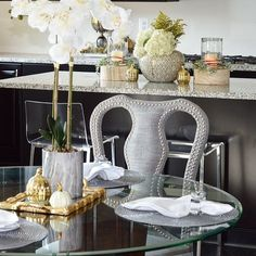 I fell in love with the detail of this chair from @zgallerie. If you couldn't tell by now, I am insanely in love with nailhead!!! via @themillennial.dream