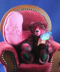 Razbeary an Artist Bear by Wanda Shope  Valentine's Day #Wandabears