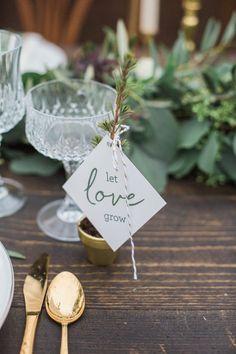 На шаг впереди: модные цвета по версии Pantone 2017 в Свадебном блоге VEIL&TIE