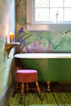 La Maison Boheme ~ tub and painted walls