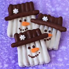 White Chocolate Pretzel Snowman Craft from hungryhappenings.com