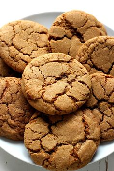 Chewy Ginger Molasses Cookies - classic holiday cookie that everyone loves! No special ingredients and no chilling the dough required!