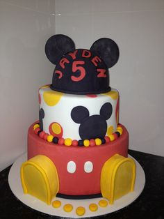 Mickey mouse cake by deakandy, via Flickr