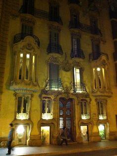 Gran Via art Nuveau building, modernismo