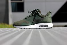 Nike Air Max 1 Tavas Carbon Green/ Black-White