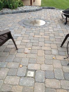 paver pattern Paver Stone Patio, Brick Pavers, Backyard Walkway, Fire Pit Backyard, Cobblestone Patio, Modern Driveway, Paver Patterns, Paver Designs, Building A Patio