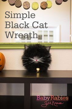 This Simple Black Cat Wreath by @babyrabies is the cat's meow! ~ could do in other colors