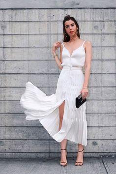 Ainda não sabe o que vestir no dia 31? Separei 30 looks para o réveillon. As produções são predominantemente brancas, pois, temos este costume.