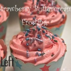 This easy recipe for Strawberry Buttercream Frosting combines butter, powdered sugar, strawberry syrup and cream. It's a perfect icing to frost and decorate cupcakes and cakes. Cupcake Frosting Tips, Strawberry Buttercream Frosting, Strawberry Icing, Homemade Frosting, Strawberry Cake Recipes, Baking Cupcakes, Frosting Recipes, Cupcake Recipes, Cupcake Cakes