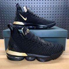 Nike Air Shoes, Air Jordan Shoes, Best Sneakers, Sneakers Fashion, Nike Lebron, Lebron 16, Lebron James, Mens Shoes Boots, Shoes Women