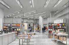 ARKET's first store in Brussels, at 15 Avenue de la Toison d'Or, is now open. Fast Food Franchise, Franchise Store, Café Bistro, Retail Merchandising, Shop Till You Drop, Fast Fashion, Lowercase A, Store Design, Vogue