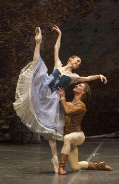 <<Svetlana Zakharova and Sergei Polunin in Giselle at Teatro San Carlo # Photo © Francesco Squeglia>>